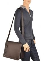 Sac Bandoulière David william Marron alto D6177-vue-porte