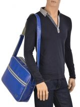 Sac Bandoulière A4 Fred perry Bleu authentic L1180-vue-porte