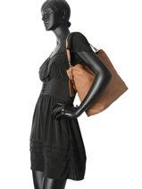 Besace Easy Going Cuir Cowboysbag Marron easy going 1905-vue-porte