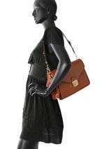 Longchamp Besace Marron-vue-porte