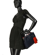 Cabas Charming Tommy Tommy hilfiger Bleu charming tommy AW06487-vue-porte