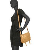 Sac Bandoulière Vintage Cuir Mila louise Jaune vintage 3017S-vue-porte