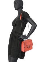 Sac Bandoulière M Velvet Cuir Milano Orange velvet VR180602-vue-porte