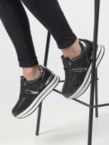 Sneakers dafnee-GUESS-vue-porte