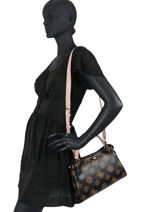 Sac Bandouliere Uptown Chic Guess Marron uptown chic PG730105-vue-porte