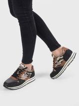 Sneakers-VICTORIA-vue-porte