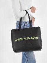 Schoudertas A4 Formaat Sculpted Monogramme Calvin klein jeans Zwart sculpted monogramme K608374-vue-porte