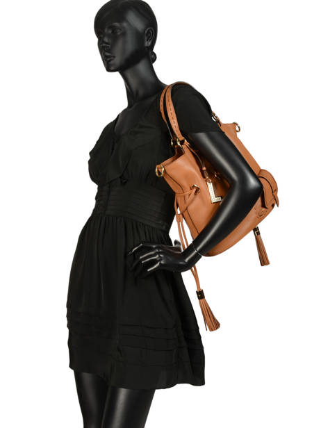 Bucket Bag M Premier Flirt Lancel Bruin premier flirt A10110 ander zicht 3