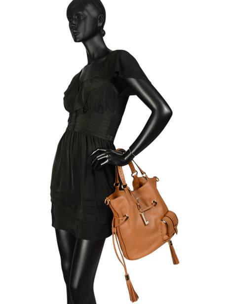 Bucket Bag M Premier Flirt Lancel Bruin premier flirt A10110 ander zicht 4